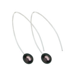 Hooked on You Earrings 62j