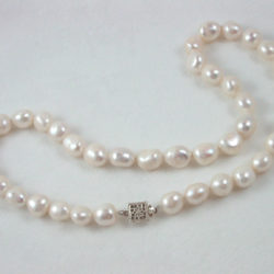 Perfectly Potato Pearl Necklace 224a